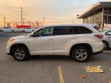 2014 Toyota Highlander LE, AWD, 8 Passenger, Back up Camera!