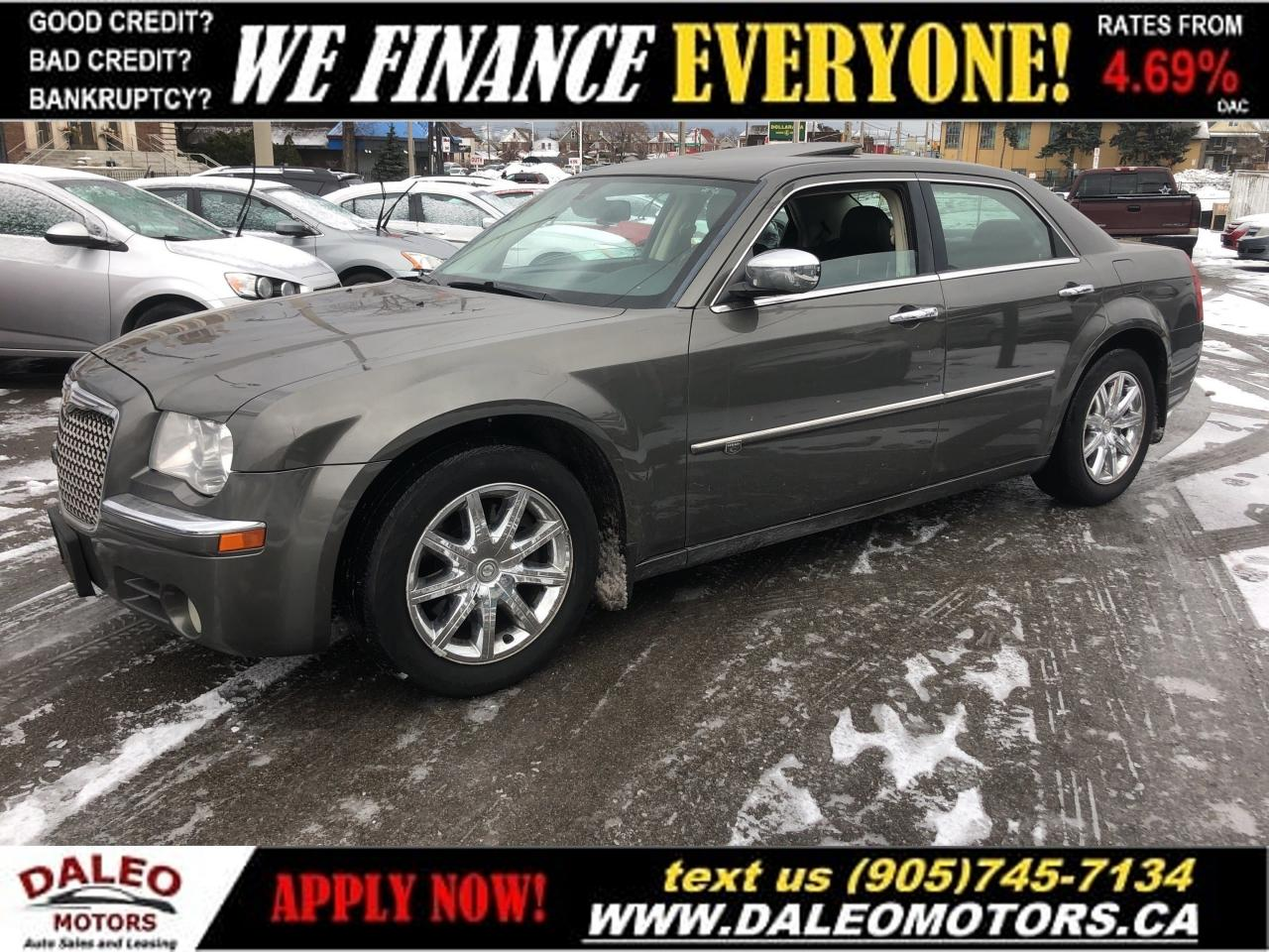 2010 Chrysler 300C V8|LEATHER|MOONROOF|HEATEDSEATS