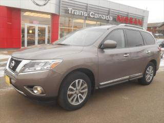 Used 2014 Nissan Pathfinder SL for sale in Peterborough, ON