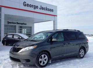 Used 2011 Toyota Sienna LE for sale in Renfrew, ON