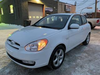 Used 2011 Hyundai Accent Hayon 3 portes, boîte manuelle, L for sale in Montréal-Nord, QC