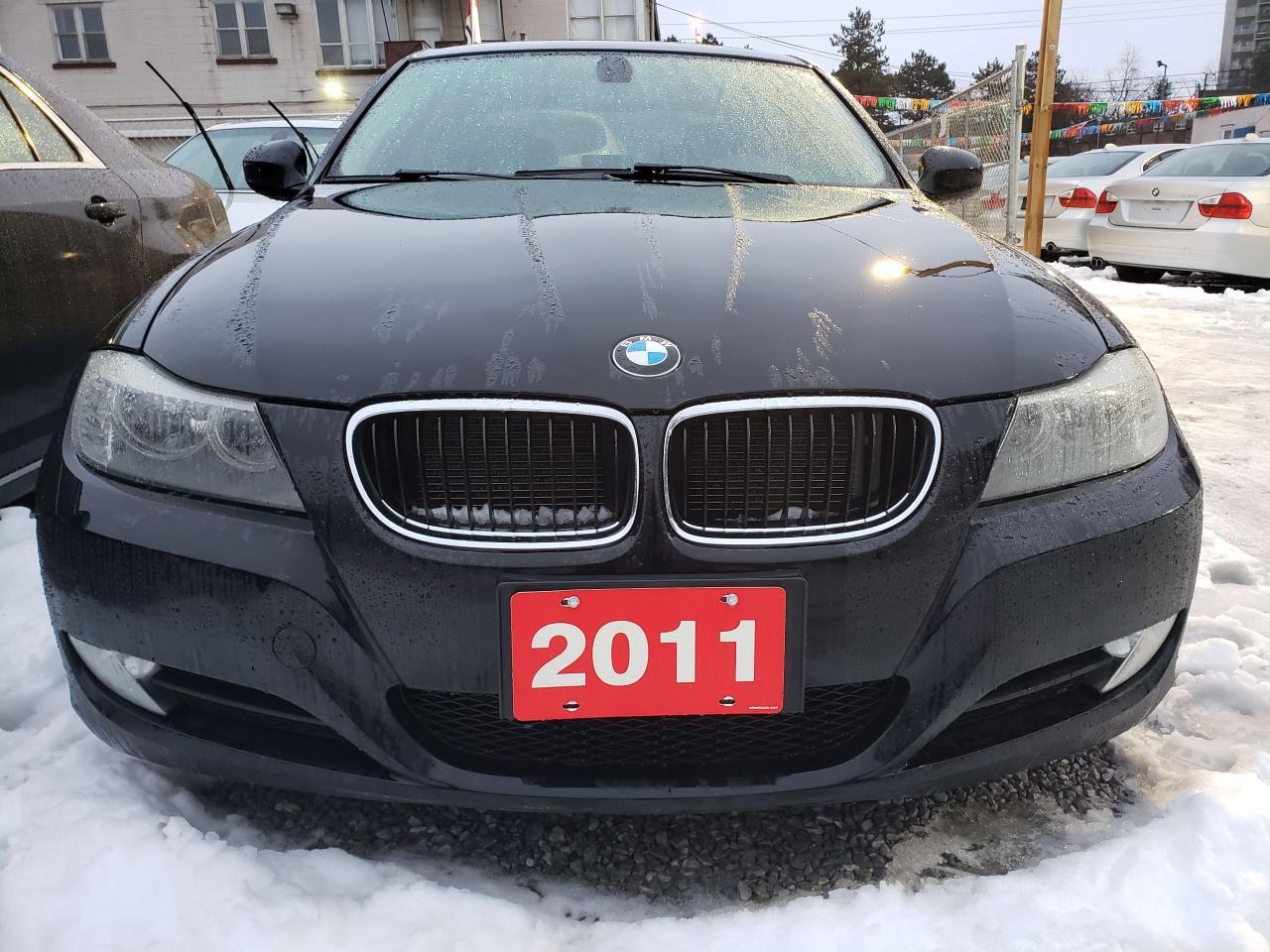 2011 BMW 3 Series 323i- Sunroof- Leather Seats- Alloy Rims-Bluetooth