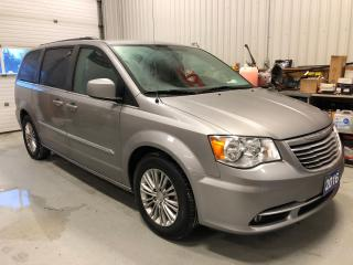 Used 2016 Chrysler Town & Country TOURING for sale in Tillsonburg, ON