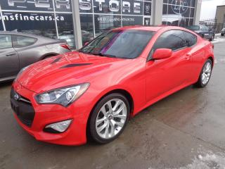Used 2013 Hyundai Genesis Coupe 2.0T Premium Navigation. Leather. Sunroof for sale in Etobicoke, ON