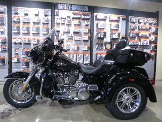 Used 2019 Harley-Davidson Tri-Glide FLHTCUTG TRI-GLIDE ULTRA for sale in Blenheim, ON