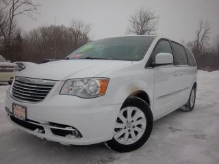 Used 2014 Chrysler Town & Country TOURING for sale in Whitby, ON