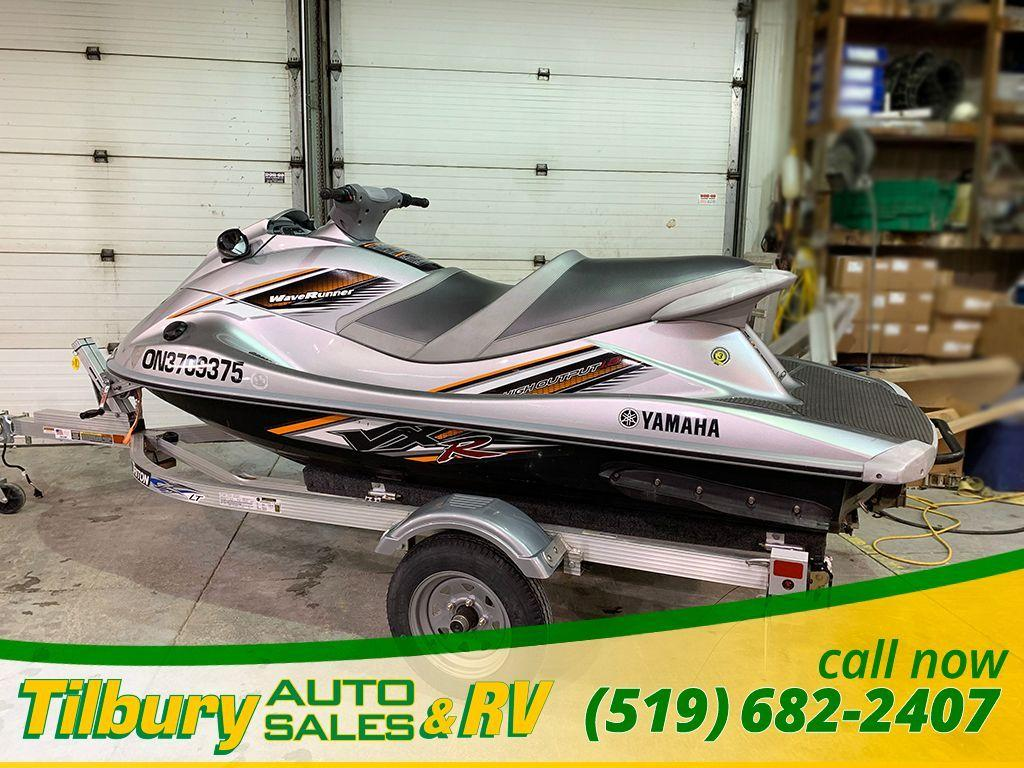 Used 2011 Yamaha VXR HIGH PERFORMANCE WAVE RUNNER! GREAT SHAPE for