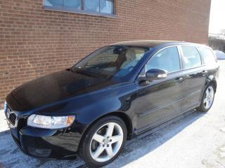 Used 2011 Volvo V50 2.5L-LEATHER - SUNROOF for sale in Oakville, ON