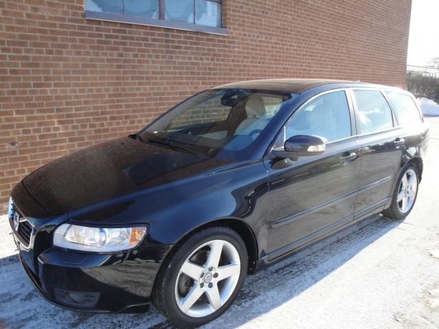2011 Volvo V50 2.5L-LEATHER - SUNROOF