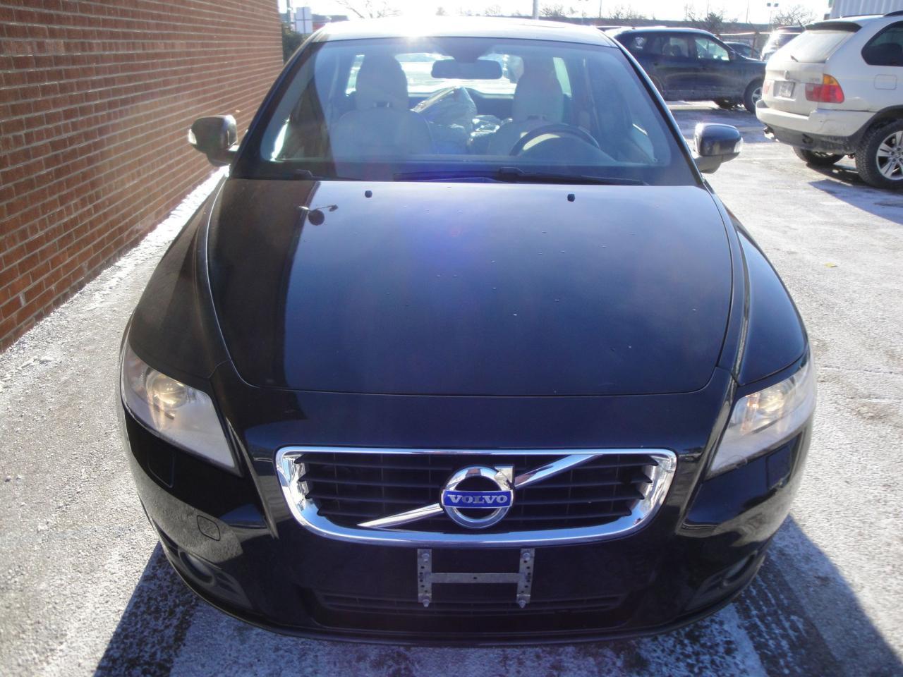 2011 Volvo V50 in Oakville | Oakville Autos