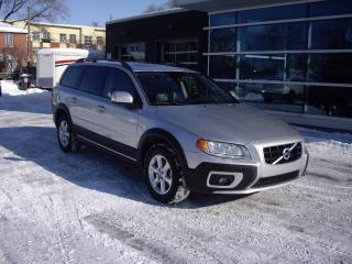 Used 2010 Volvo XC70 for sale in Montréal, QC