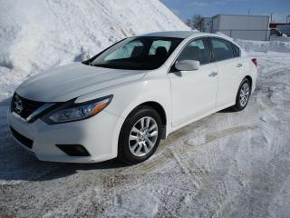 Used 2017 Nissan Altima Berline for sale in Terrebonne, QC
