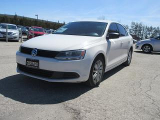 Used 2012 Volkswagen Jetta Sedan 4dr / Auto /2.0 L TREND LINE for sale in Newmarket, ON