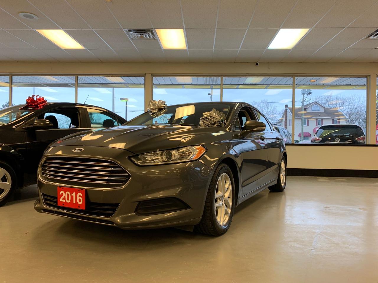 2016 Ford Fusion SE - BLUETOOTH -B/U CAM -HEATED/MEMORY SEATS
