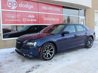 Used 2017 Chrysler 300 S / Panoramic Sunroof / GPS Navigation / Back Up Camera for sale in Edmonton, AB