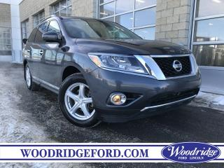 Used 2014 Nissan Pathfinder Platinum for sale in Calgary, AB