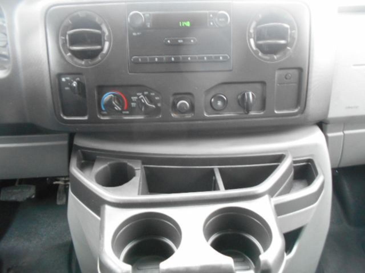 2011 Ford E250 CARGO 4.6L Loaded Rack Divider Shelving 138,000KMs