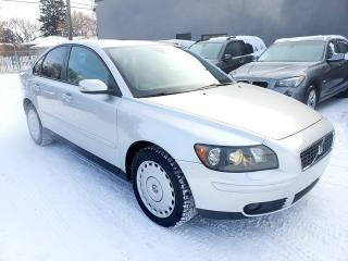 Used 2006 Volvo S40 2.4L LEATHER SUNROOF LOW KMS for sale in Calgary, AB