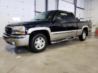 Used 2005 GMC Sierra 1500 SLE Z-71 4x4 Cabine Multi palces for sale in St-Eustache, QC