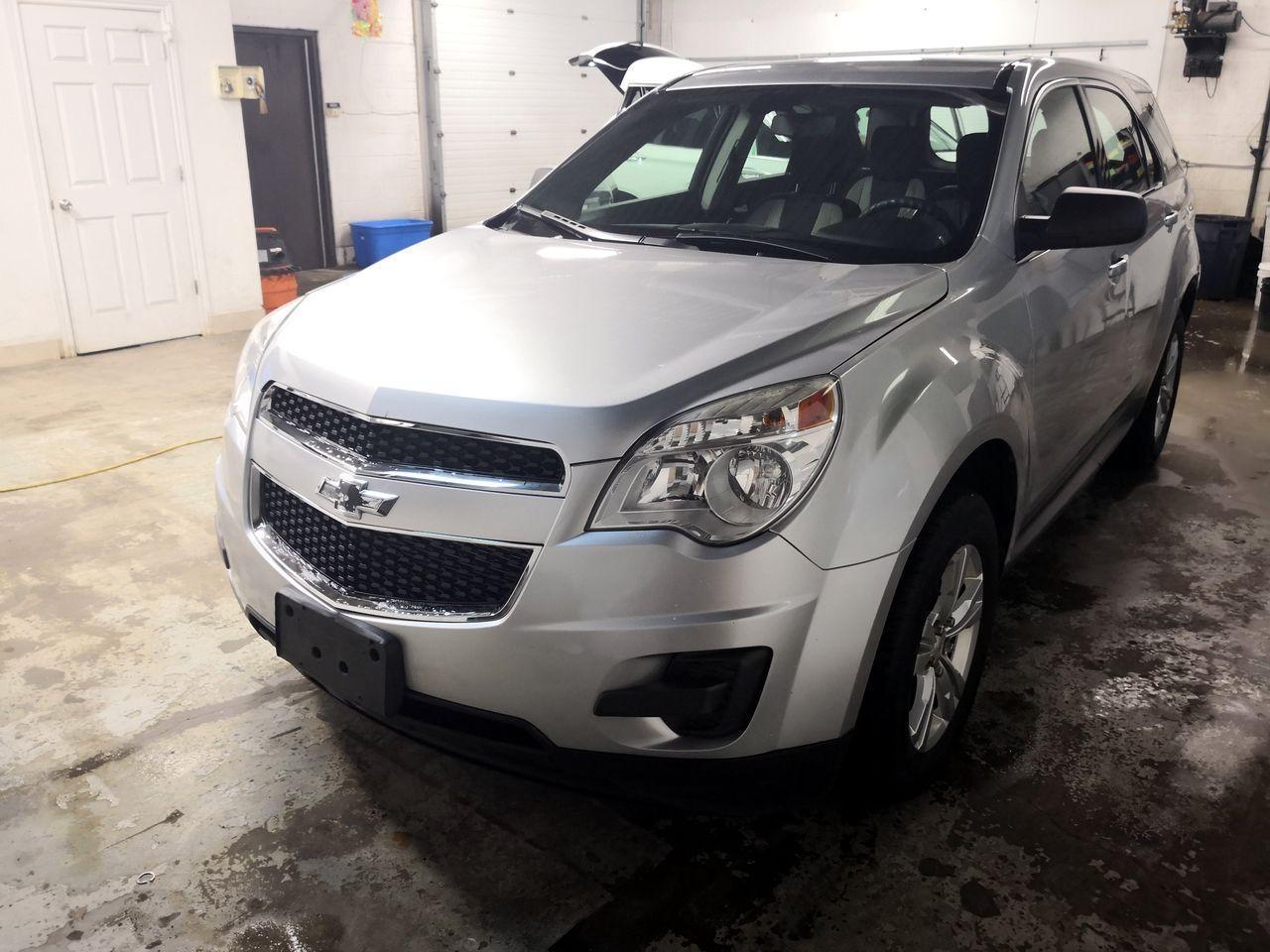 Photo of Silver 2011 Chevrolet Equinox