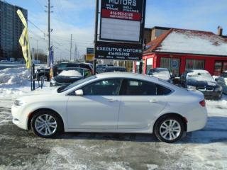 Used 2015 Chrysler 200 LIMITED / PERFECT FOR UBER / LOADED / CLEAN / for sale in Scarborough, ON