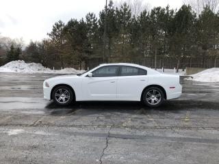 Used 2013 Dodge Charger SXT RWD for sale in Cayuga, ON