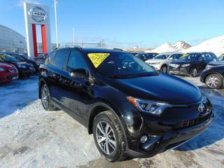 Used 2016 Toyota RAV4 XLE AWD *Toit* Caméra de recul * for sale in Ste-Foy, QC