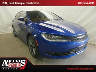 Used 2015 Chrysler 200 S + Toit Pano + Gps for sale in Sherbrooke, QC