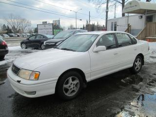 Used 1999 Toyota Avalon XLS for sale in Scarborough, ON