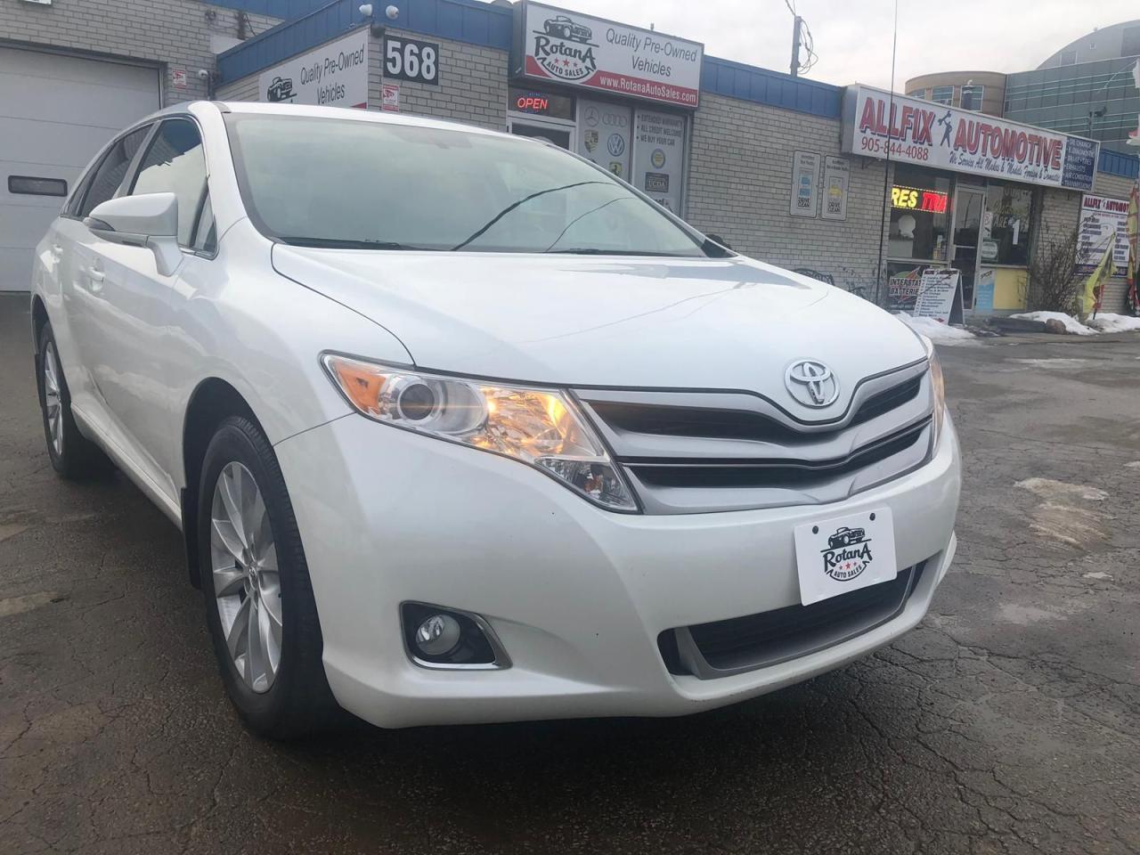 2013 Toyota Venza Navigation_Backup Sensors_Bluetooth_AWD