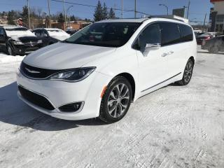 Used 2017 Chrysler Pacifica Familiale 4 portes Limited for sale in Sherbrooke, QC