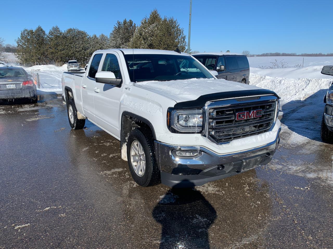 Photo of White 2016 GMC Sierra 1500