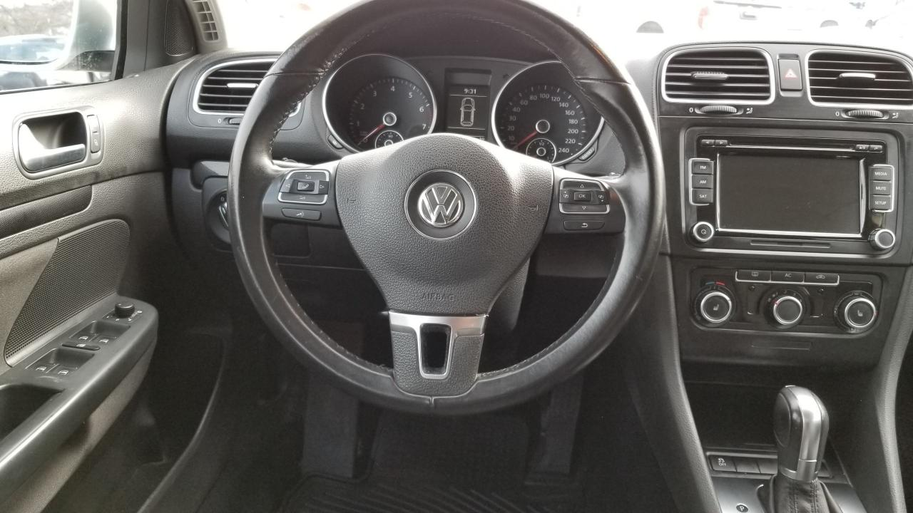 2011 Volkswagen Golf Wagon WAGON AUTO- ONE OWNER