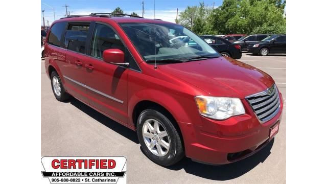 2009 Chrysler Town & Country Touring ** FULL STOW N GO, POWER SLIDING DOORS **