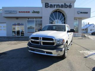 Used 2018 RAM 1500 SXT CREW CAB / 4X4 / 5.7 HEMI / GROUPE R for sale in Napierville, QC