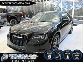 Used 2018 Chrysler 300 300 S *CUIR/TOIT PANO/NAV/AWD* for sale in Laval, QC