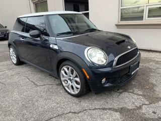2007 MINI Cooper S 6 Speed Manual! No Accidents!