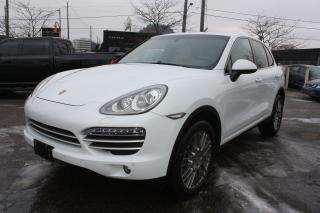 Used 2014 Porsche Cayenne Platinum Edition *NAVIGATION*PANOROOF* for sale in Toronto, ON