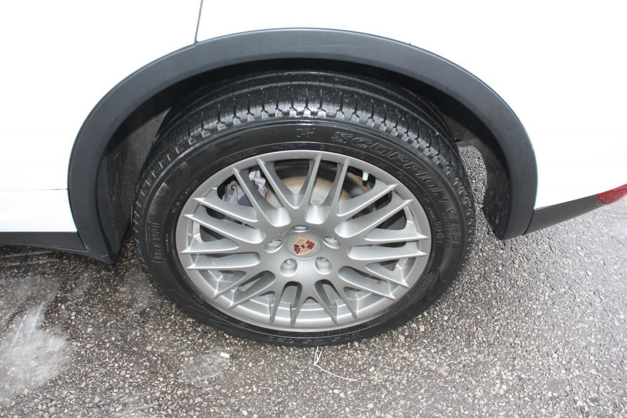 2014 Porsche Cayenne Platinum Edition *NAVIGATION*PANOROOF*