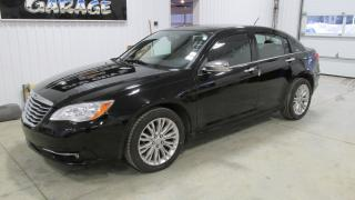 Used 2012 Chrysler 200 Limited, leather, NAV, moonroof, for sale in Chatsworth, ON