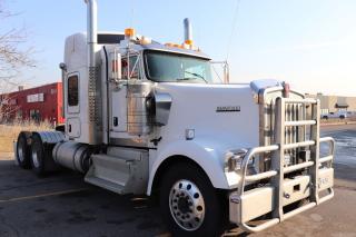 Used 2011 Kenworth W900 W900 Sleeper, Heavy Duty Haul Truck for sale in Concord, ON