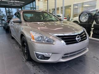 Used 2014 Nissan Altima 2.5 SL, SUNROOF, POWER HEATED LEATHER SEATS, NAVI for sale in Edmonton, AB