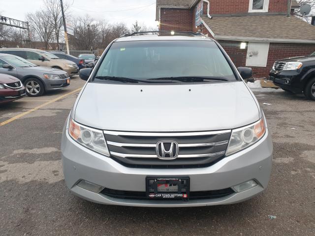 2012 Honda Odyssey Touring Photo2