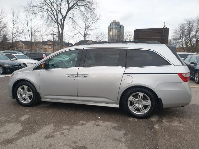 2012 Honda Odyssey Touring Photo5