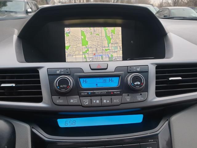 2012 Honda Odyssey Touring Photo11