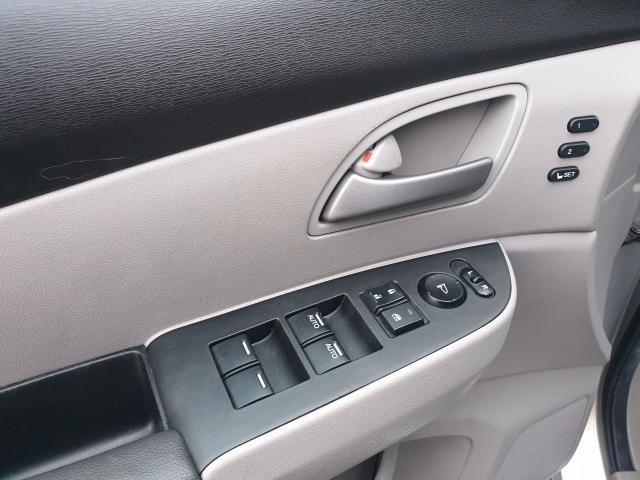2012 Honda Odyssey Touring Photo15
