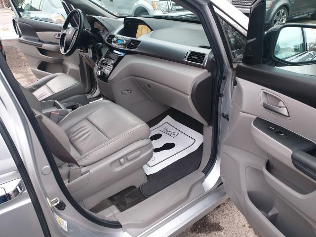 2012 Honda Odyssey Touring Photo18