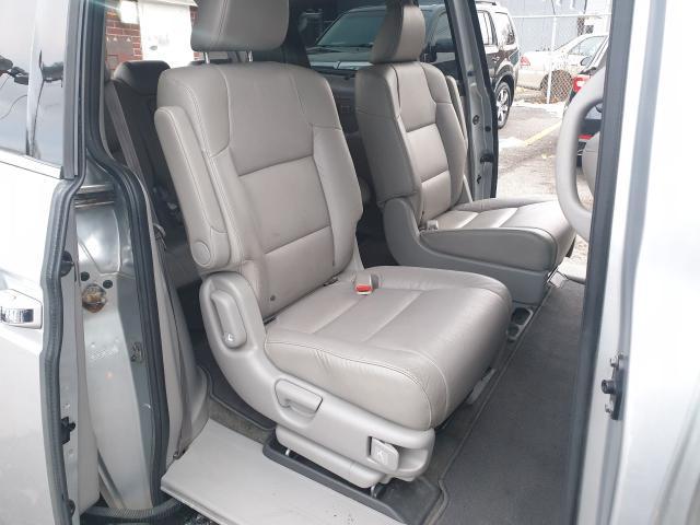 2012 Honda Odyssey Touring Photo19