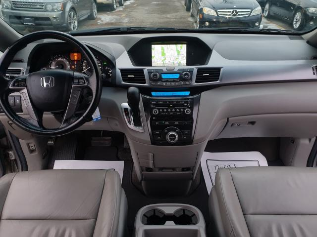 2012 Honda Odyssey Touring Photo25