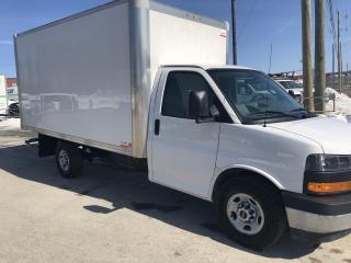 Used 2018 GMC Sierra 3500 Savana 3500 14 pi 6 litres for sale in Sherbrooke, QC